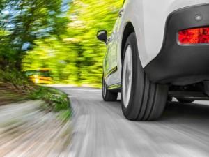 Rebaixar o carro em estradas